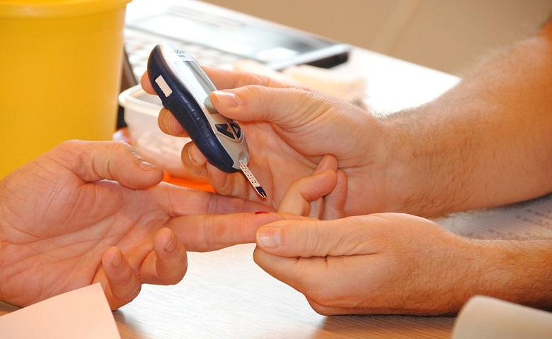 Diabetes Test at Home with Easy Reporting App